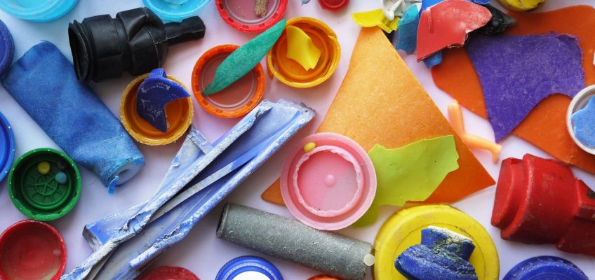 Plastikas vandenynuose  – kas iš jo gaminama?